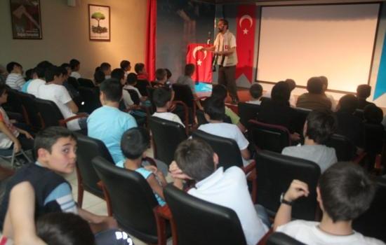 Mavi Marmara Gazileri Yaz Eğitim Seminerlerinde Öğrencilerle Buluştu